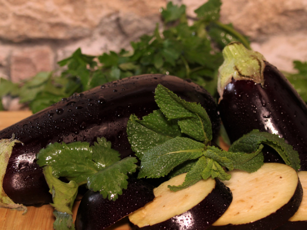 Eggplant Health Benefits for Skin, Hair, Heart, and Weight Loss